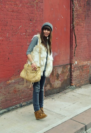 2747275_Faux_Fur_1_-_brunetteblogging.com